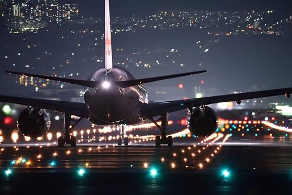 Delayed night flight